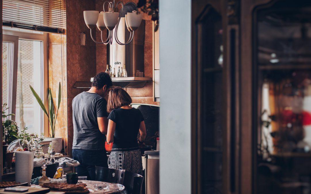 Unsere 6 Tipps für alle, die in den nächsten Wochen Zuhause bleiben können
